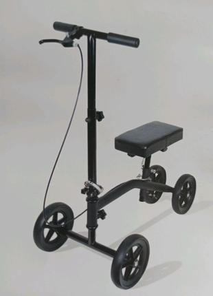 Коленный самокат (костыль) для повреждённой ноги