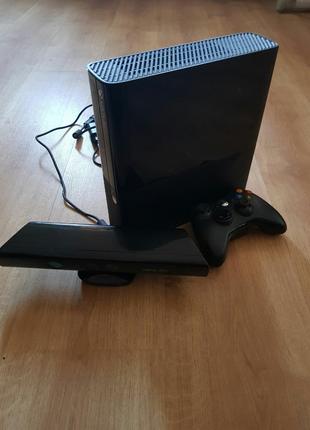 Продам Xbox 360,kinect,100 игр