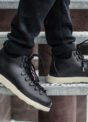 Мужские ботинки native черные с белой подошвой
