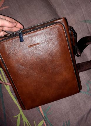 Мужская сумка через плечо.