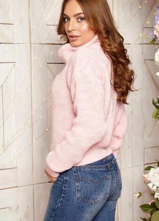 Короткий тёплый свитер из шерсти