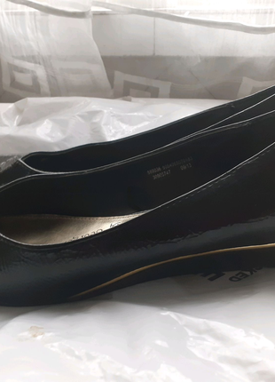 Туфли  лаковые черные 41 размер