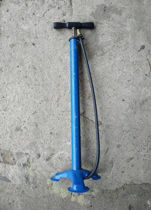 Ручний насос для накачування колеса та іншого