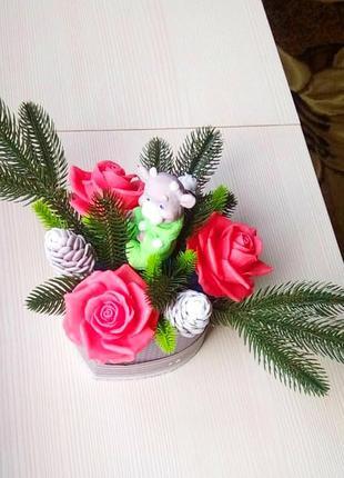 Новогодняя композиция на стол камин с символом 2021 бычок из мыла