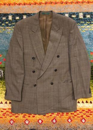 Пиджак двубортный в клетку серый