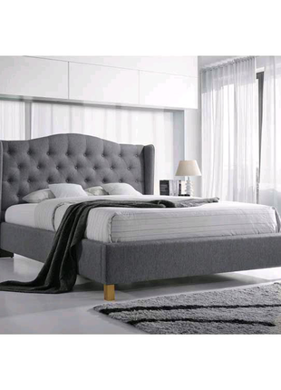Мягкая кровать с каретной стяжкой