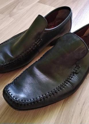 Мужские кожаные туфли clarks. р. 9½, стелька полностью 30 см.