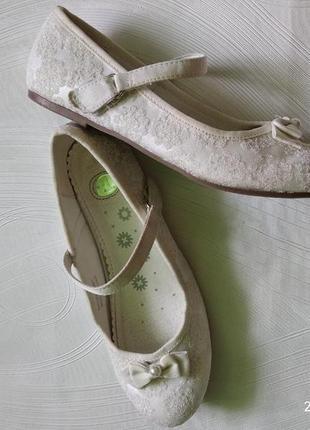 Туфли девочке, красивые, нарядные. англия