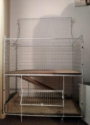 Продам двухэтажную клетку, ручной работы.