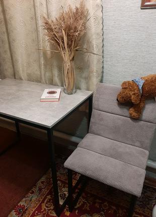 Стол из металла в стиле лофт.