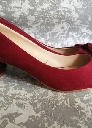 Фирменные женские туфли