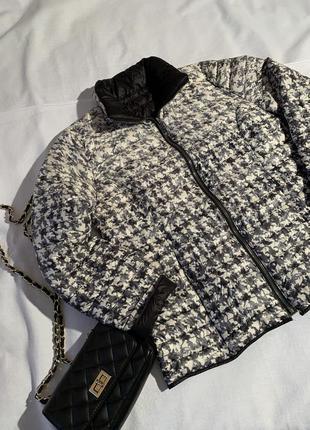 Классная куртка в гусиную лапку  barbara lebek