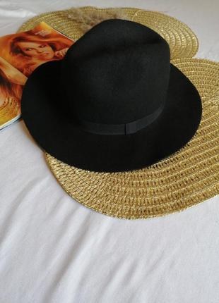 Чорна шляпа esmara