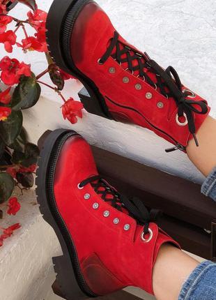Ботинки зимние женские, натуральный нубук, красный цвет