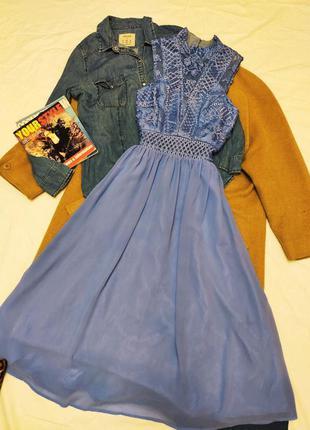 Chi chi london платье голубое миди шифоновое с кружевом класси...