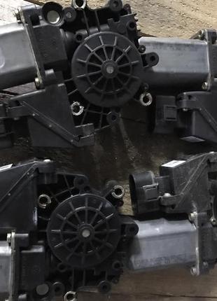 Моторчик стеклоподъемника AUDI A6 C5. РОЗБОРКА