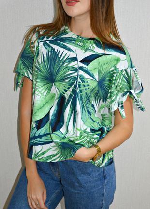 Новая футболка с тропическим принтом от M&S