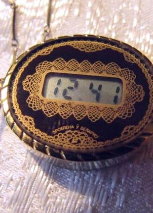 Часы-кулон Электроника Камертон - 67К,  на цепочке, новые