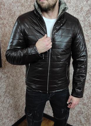 Зимняя кожаная куртка на меху коричневая