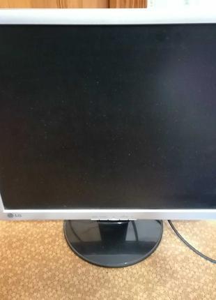 Компьютер (целиком или отдельно сист.блок, клавиатура, монитор)