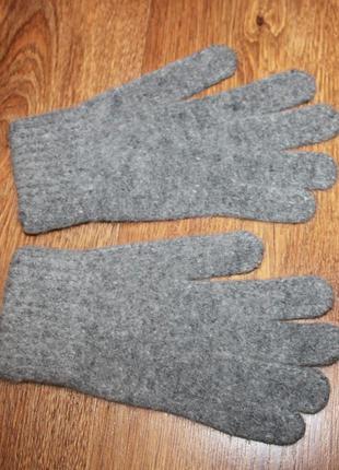 Перчатки теплые серые с ангорой.