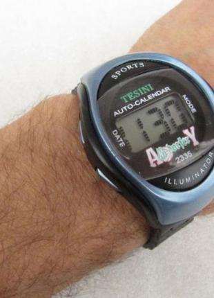 Часы электронные Tesini  .