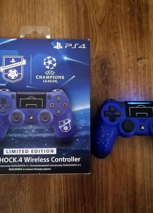 Sony DualShock 4 Version 2 PlayStation F.C. Limited Edition