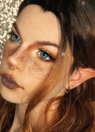 Яркие голубые линзы для зрения