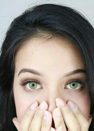 Зеленые линзы для карих и светлых глаз