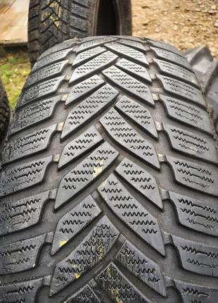 Комплект 235/65 R18 Dunlop продам шини ризина колеса
