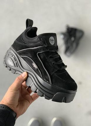 Крутые женские кроссовки замшевые, на платформе
