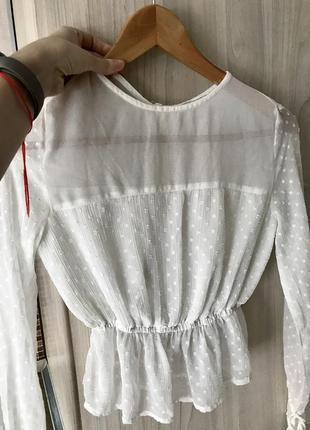 Шикарная белая блуза с вышивкой плюмети