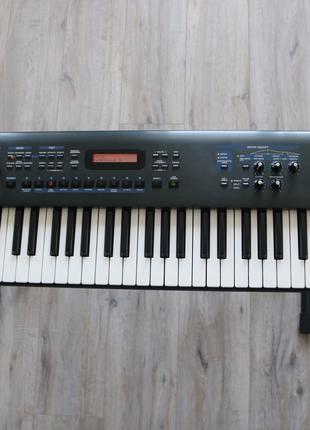 Синтезатор Roland Juno-D