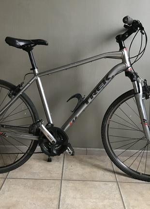 Велосипед Trek 8.2 DS гибрид колеса 28