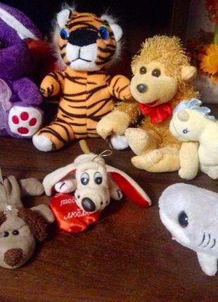 Мягкие игрушки, цена указана за все