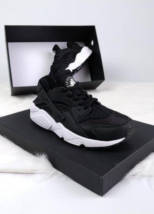 Женские черные кроссовки nike air huarache