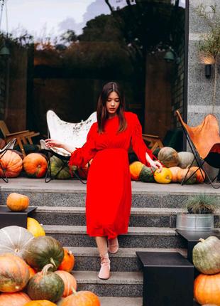 Платье длинное шёлковое красного цвета
