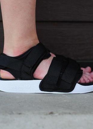 Женские черно-белые сандалии босоножки adidas adelette