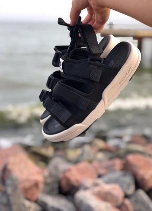 Женские черные сандалии босоножки new balance