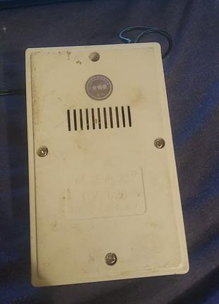 Универсальное зарядное устройство для аккумуляторов ААА и АА