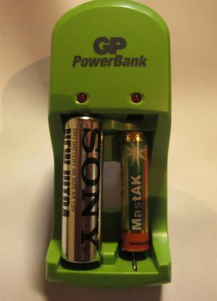 Зарядное устройство NIMH 1.4V 160 mA GP PowerBank S360 PB360GS