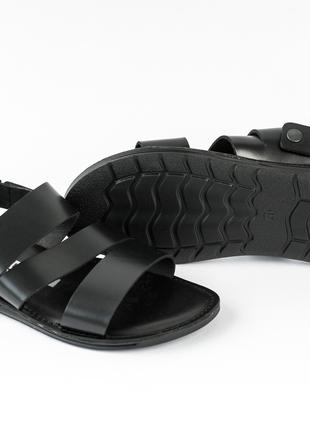 Сандалі - це найкраще взуття для активних чоловіків!