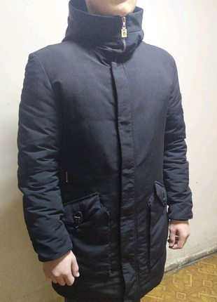 """Продается зимняя куртка с принтом """"Supreme"""""""