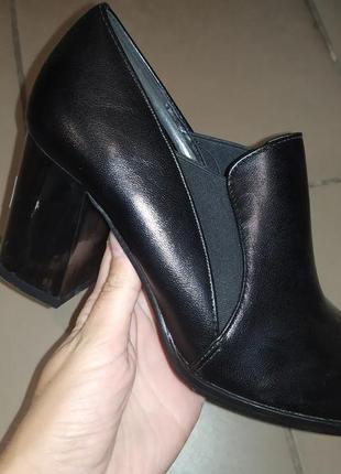 Туфли полуботинки женские осень  каблук