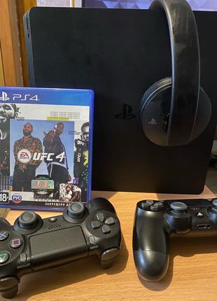 PS4 slim 500 Gb + Джойстики + Наушники