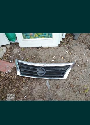 Продам решетку радиатора Nissan Altima USA