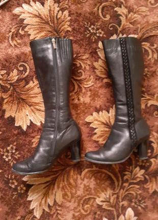 Продам жіночі шкіряні зимові чоботи