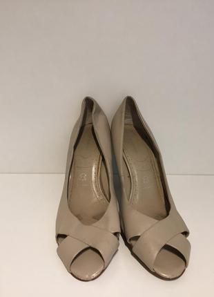 Туфли босоножки на каблуке натуральная кожа 5th avenue