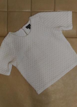 Плотная блузка с объёмной фактурой ткани,р.10