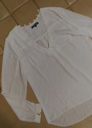Шифоновая белая блузка с v-образным  декольте,р.16